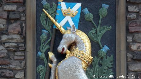 Schottisches Einhorn mit Wappen