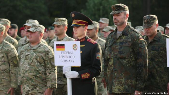 Солдати Бундесверу на відкритті навчань Rapid Trident в 2014 році