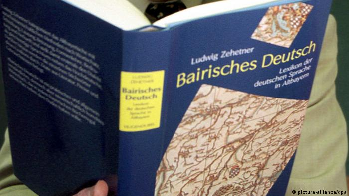 Bairisch German dictionary (picture-alliance/dpa)