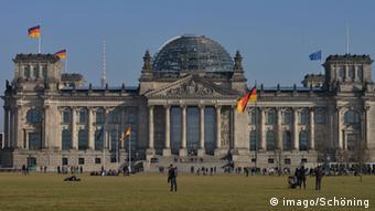 «Το Βερολίνο δεν βλέπει καμία βάση για τα ελληνικά αιτήματα αποζημιώσεων»