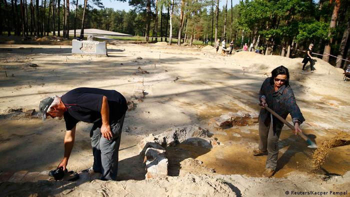 Polen Sobibor Konzentrationslager Gaskammern entdeckt