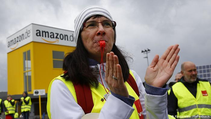 Amazon protests (Reuters/Kai Pfaffenbach)
