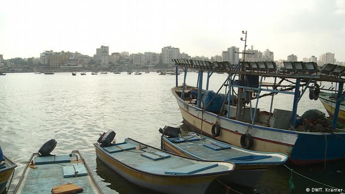 Fischerboote im Hafen von Gaza (Foto: DW)