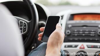 Symbolbild Mobilität mit Smartphone-Unterstützung
