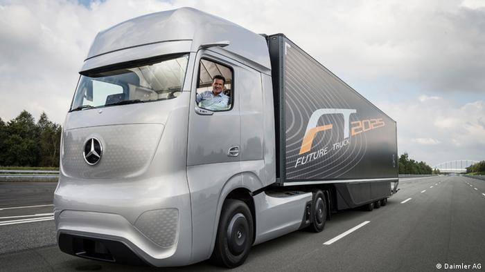 Daimler Future Truck 2015