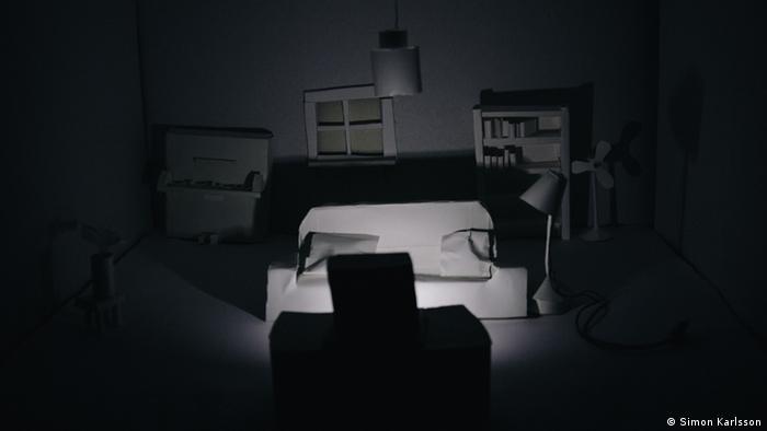 Ігрові декорації майструють із паперу. Створення такої кімнатки триває доволі довго