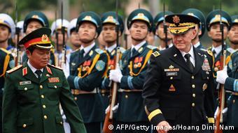Dempsey zu Besuch in Vietnam 14.08.2014