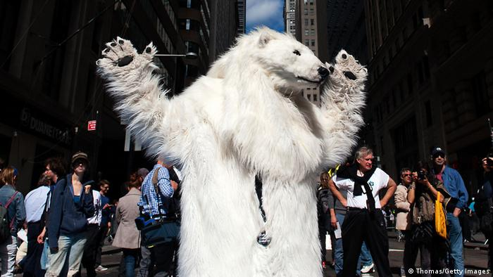 Frostpaw the polar bear at Flood Wall Street (Photo: Bryan Thomas/Getty Images)
