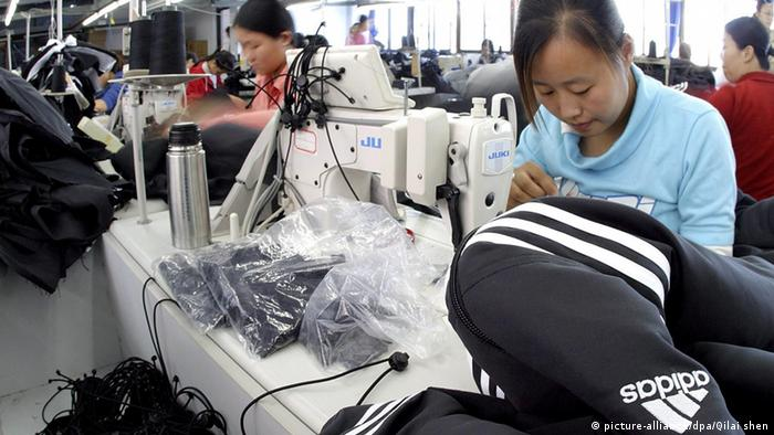 Produktion von Adidas Sportbekleidung in China