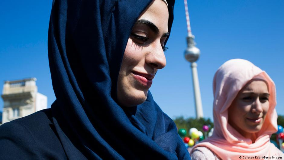 study muslim women face discrimination in german job. Black Bedroom Furniture Sets. Home Design Ideas