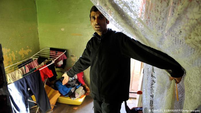 Sărăcia şi criminalitatea merg mână în mână în ghetourile romilor (SAMUEL KUBANI/AFP/Getty Images)