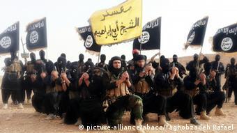 Propagandabild IS-Kämpfer ARCHIV (Foto: Abacapress)