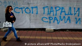 Serbien Anti Schwulen Graffiti 26.09.2014