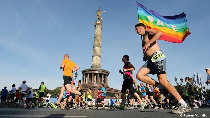 Runners pass the victory column