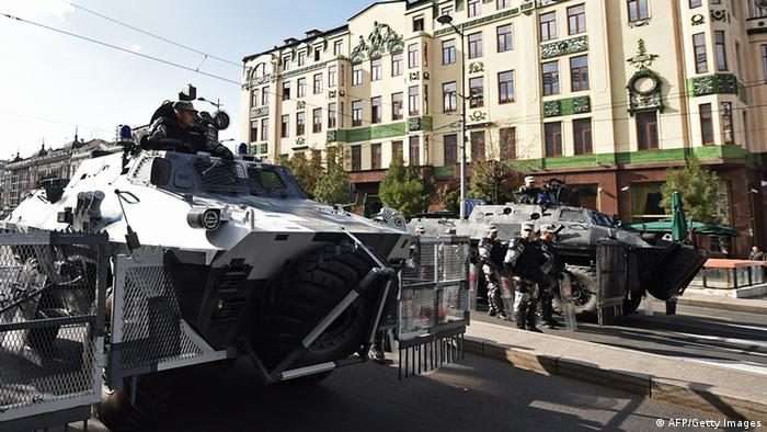Oklopna vozila na ulicama Beograda