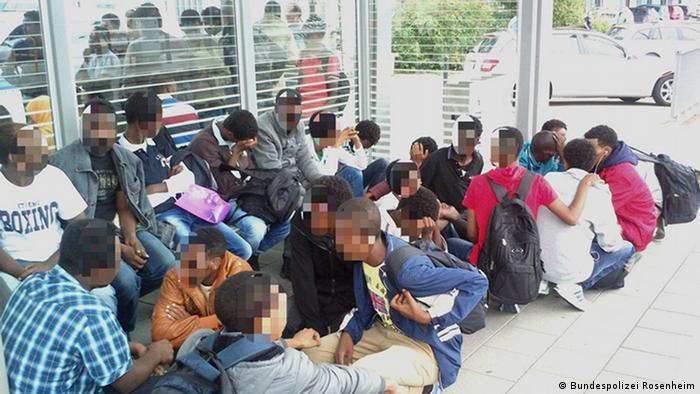 فعالان حقوقبشر به شرایط نگهداری پناهجویان در آلمان انتقاد دارند