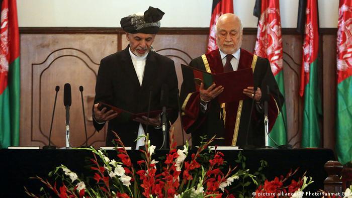 Ashraf Ghani Ahmadzai und Abdul Salam Azimi Vereidigung Afghanistan Präsident