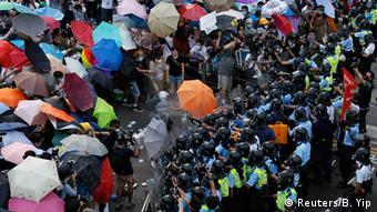 China Studentenprotest in Hongkong Occupy Central Regenschirme und Polizei