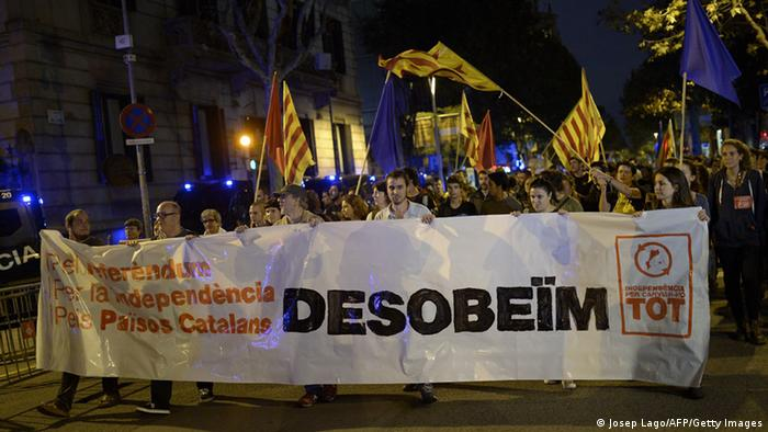 Catalanes llaman a la desobediencia civil.