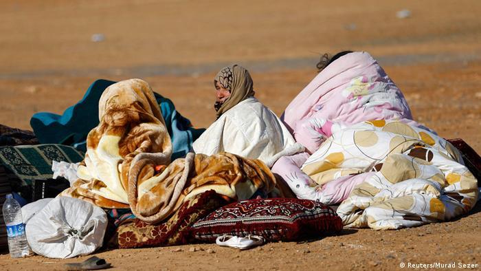 Syrien Türkei Flüchtlinge an den Grenzübergang Mursitpinar 30.09.2014
