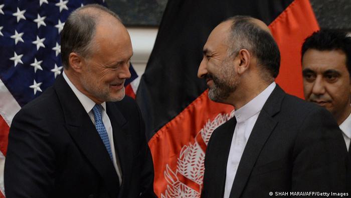 Afeganistão e EUA assinam acordo de segurança