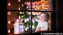 #70360313 - Girl at Christmas eve © famveldman