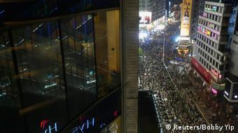 Bildergalerie Proteste in Hongkong - Parade in Peking