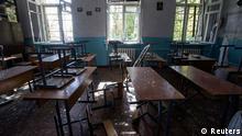Ukraine Russland Konflikt zerstörtes Klassenzimmer in Donetsk