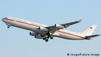 Airbus A340 Theodor Heuss der Bundeskanzlerin