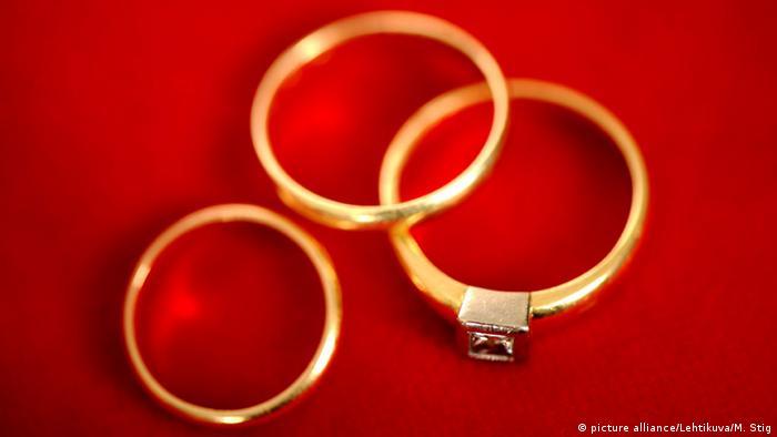Symbolbild Polygamie (picture alliance/Lehtikuva/M. Stig)