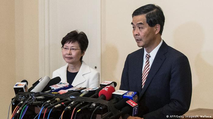 Hongkong Carrie Lam und Leung Chun Ying (AFP/Getty Images/A. Wallace)