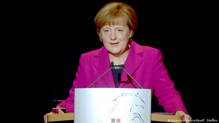 """Em festa pela Reunificação, Chanceler Angela Merkel reconhece: """"Fizemos muita coisa certa"""""""