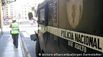 Policecar in Lima. (Photo: Jürgen Darmstädter)