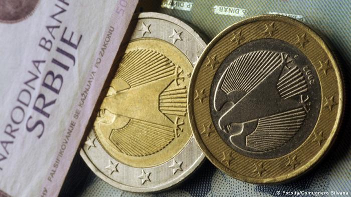 Symbolbild Währung serbische Dinar und Euro