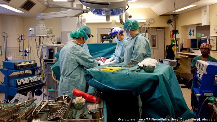 Schweden: Erstmals Geburt nach Gebärmuttertransplantation gelungen (Foto: AP)