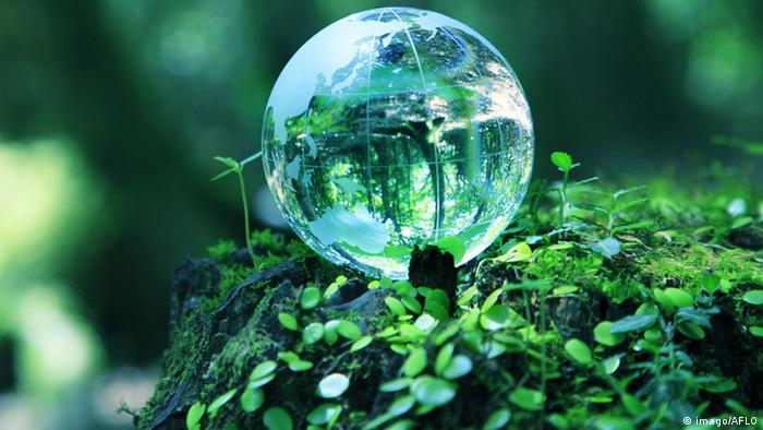 Symbolbild Erde Umweltschutz Rettung