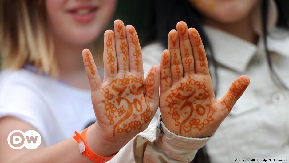 Jugend handzeichen bedeutung Internationale Handzeichen