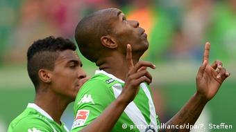 Fußball 1. Bundesliga VfL Wolfsburg vs. FC Augsburg Naldo