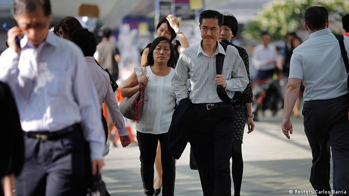 Hongkong Menschen auf dem Weg zur Arbeit