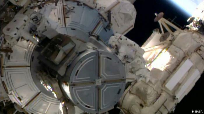 Screenshot NASA-TV ISS Weltraumeinsatz von Alexander Gerst 07.10.2014