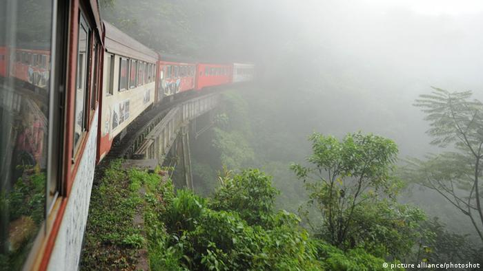 Serra Verde Express, Brasilien (picture alliance/photoshot)