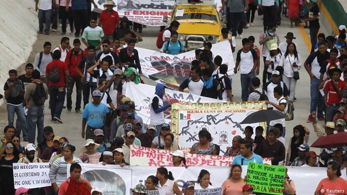 Demonstration im mexikanischen Chilpancingo nach der Ermordung von 43 Studenten