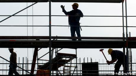 "DW: ""Έξοδος"" ανατολικοευρωπαίων εργαζομένων στη Γερμανία"