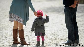 Οι μονογονεϊκές οικογένειες κινδυνεύουν, προειδοποιούν οι ειδικοί
