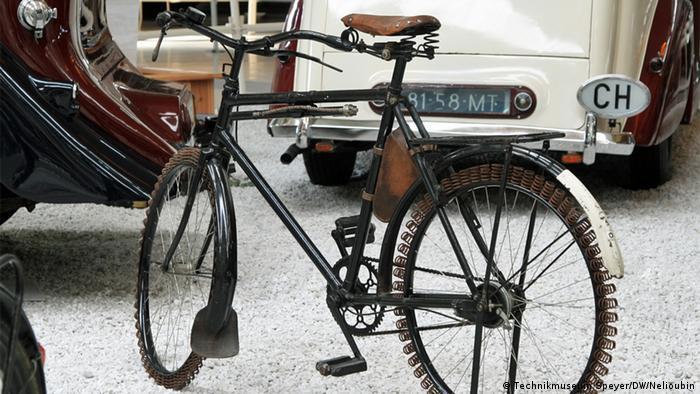 Велосипед с пружинами вместо резиновых покрышек