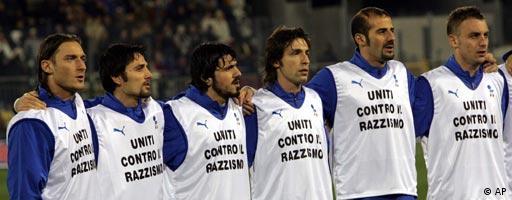 Italienische Spieler gegen Rassismus