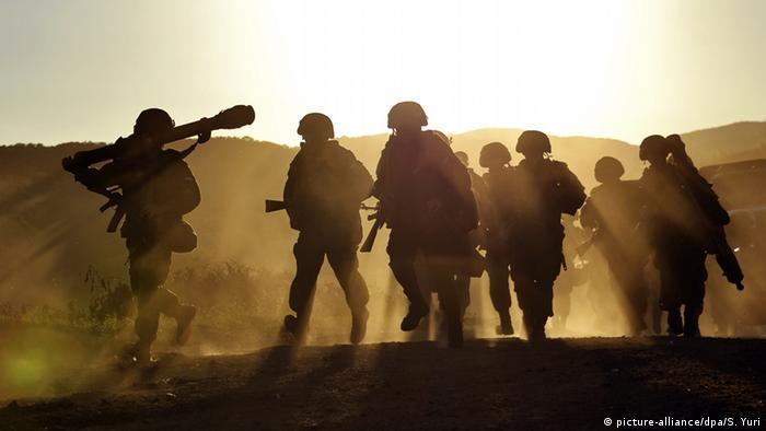 Putin ordena retirada de tropas russas da fronteira com a Ucrânia
