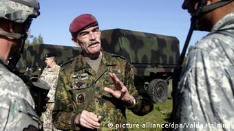 Генерал Ганс-Лотар Домрезе