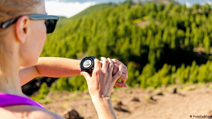 Для того чтобы быстро узнать, сколько времени, уже необязательно иметь часы.  Сегодня, когда у каждого есть смартфон, наручные часы утратили свое ... 80a3bc6dfbc