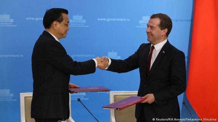 Li Keqiang bei Medwedew 13.10.2014
